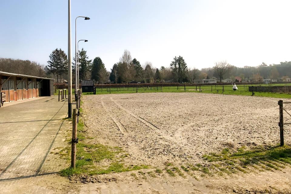 Zandbak voor paarden